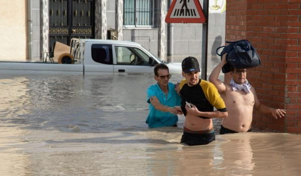 Shkon në pesë numri i të vdekurve nga vërshimet në Spanjë