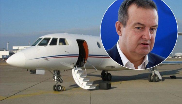 Rrufeja godet aeroplanin e Daçicit: Askush nuk mund të na bëjë asgjë