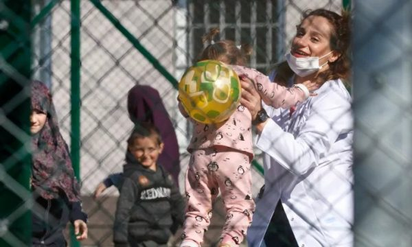 Tahiri: 74 fëmijë shqiptarë i kemi nxjerrë nga tmerri i luftës në Siri
