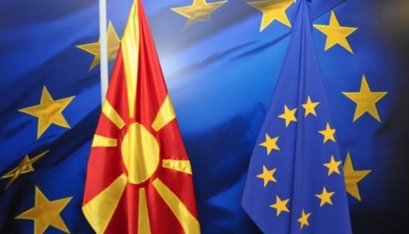 Holanda dhe Danimarka lëshojnë pe, vetëm Franca ka bllokuar rrugën e Shkupit drejt BE-së