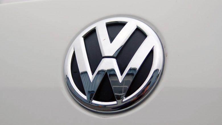 Volkswagen shfaq për herë të parë modelin Golf, dy javë para se ta prezantojë zyrtarisht