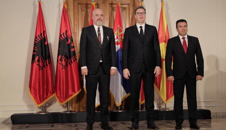 Treshja Rama-Vucic-Zaev, takim në Serbi
