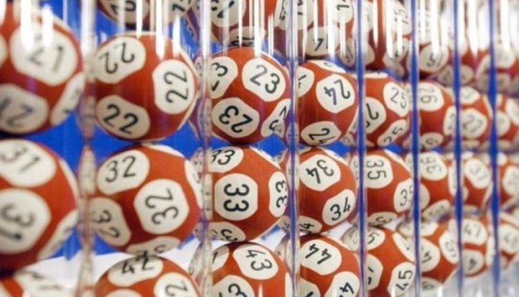 Britaniku fiton mbi 170 milionë funte në lotari