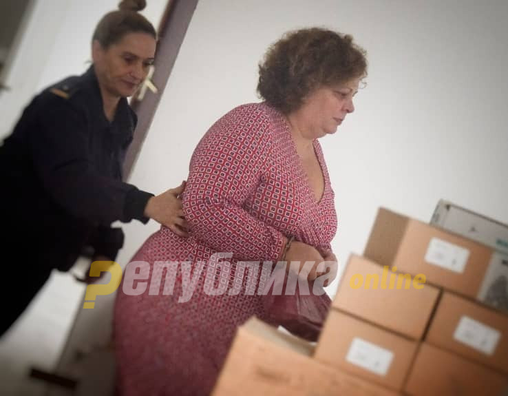 Aktakuza e Prokurorisë: Janeva ka marrë 50.000 euro dhe mobilje