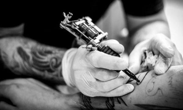 Studimi i fundit thotë se tatuazhet forcojnë sistemin imunitar