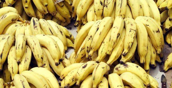 Si t'i ruani bananet që të mos bëhen të zeza