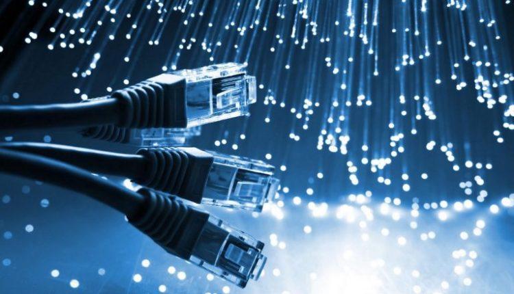 Në Britani propozohet që interneti të jetë falas