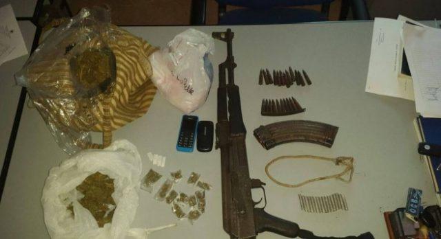 Shkup, konfiskohen municion dhe drogë në një shtëpi