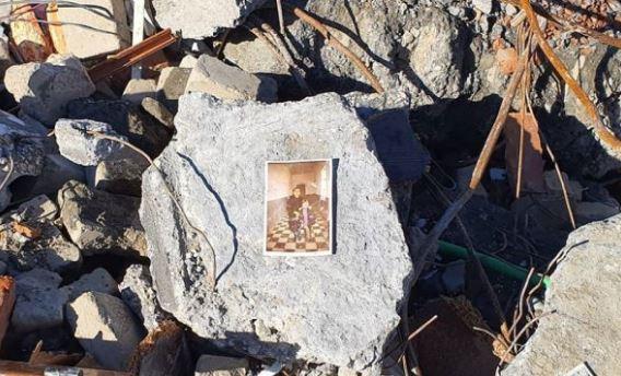 Foto familjare, fletore të fëmijëve, çka nxorën gërmadhat e tërmetit në Shqipëri