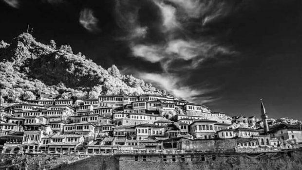 """""""THE GUARDIAN"""": Shqipëria, vend i çuditshëm, antik dhe i mrekullueshëm!"""