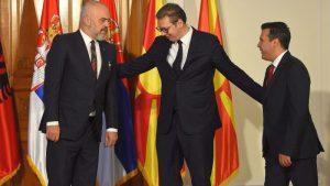 Kush fiton nga minishengeni? Shqipëria ka bilanc tregtar pozitiv vetëm me Kosovën, deficit të thellë me Serbinë