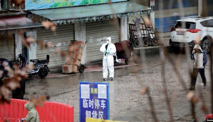 Kina konfirmon 830 raste dhe 25 të vdekur nga virusi