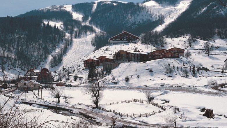 Mavrova me 11 cm borë ndërsa Kodra e Diellit me 4 cm