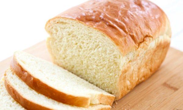 A shtojmë me të vërtetë peshë nga buka e bardhë?
