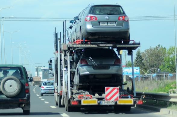 Importi i makinave, kërkohet shfuqizimi i ligjit të ri në Maqedoninë e Veriut