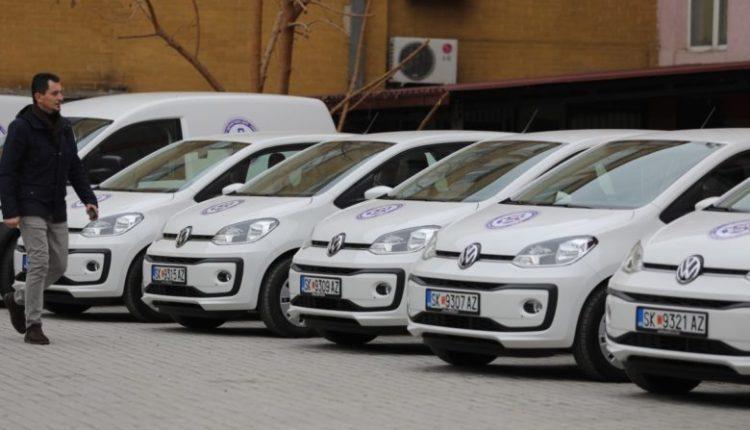 Sigurohen 13 automjete të reja për vizitë shtëpiake dhe patronazh në Shtëpinë e Shëndetit – Shkup