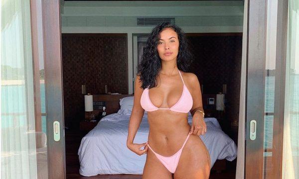 Maya, tregon format seksi nga plazhi (FOTO)
