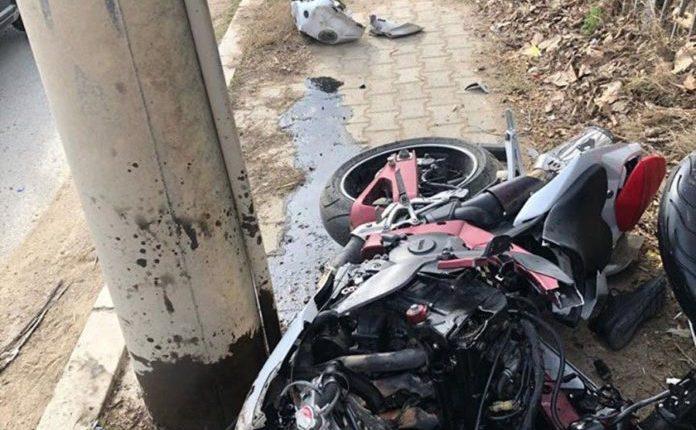 Aksident i rëndë me motoçikletë në Haraçinë, ndërron jetë 22 vjeçari, një tjetër i lënduar rëndë (FOTO)