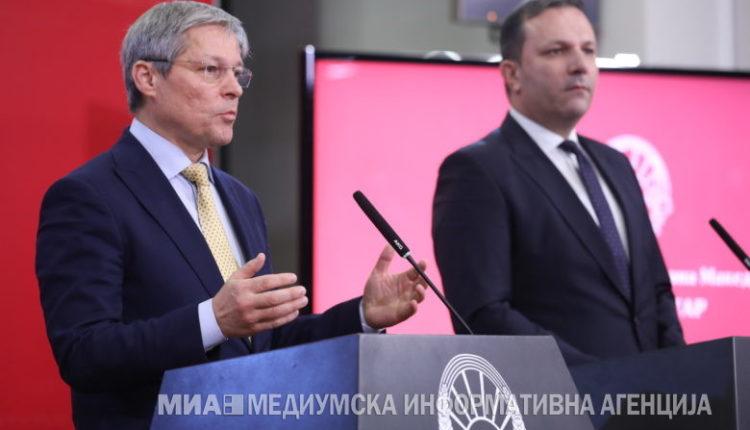 Çollosh: Maqedonia e Veriut e gatshme për fillimin e negociatave, janë plotësuar të gjitha kushtet