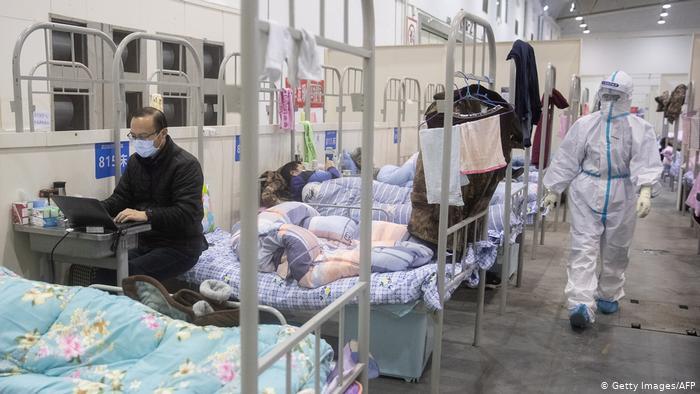 Mbi 2,600 të vdekur nga koronavirusi në të gjithë botën