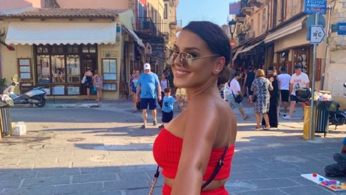 22 vjeçarja shqiptare me Koronavirus tregon ditë pas dite se çfarë ndodhte me trupin