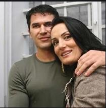 Qëndroi 7 vjet në burg, kush është ish-bashkëshorti i Albërie Hadërgjonajt (FOTO LAJM)