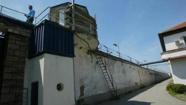 'Orë policore' edhe në burgun e Idrizovës, ndalohen vizitat dhe fundjavat e lira