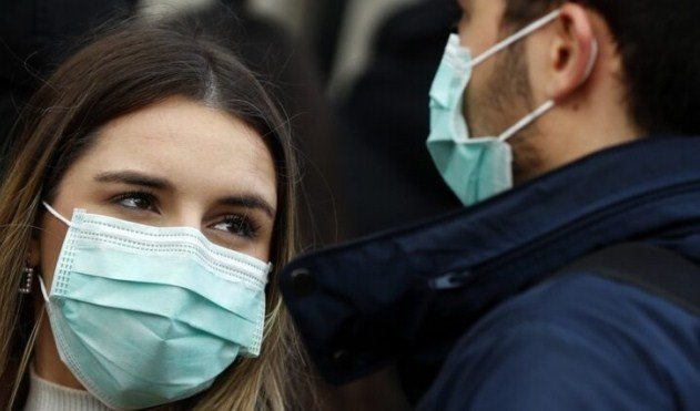 Ndodh edhe kjo: Merr koronavirusin nga dashnorja/ Tani është në izolim me gruan e tij