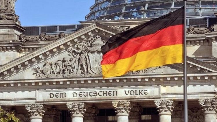 Gjermania ndan 750 miliardë euro për të ndihmuar ekonominë
