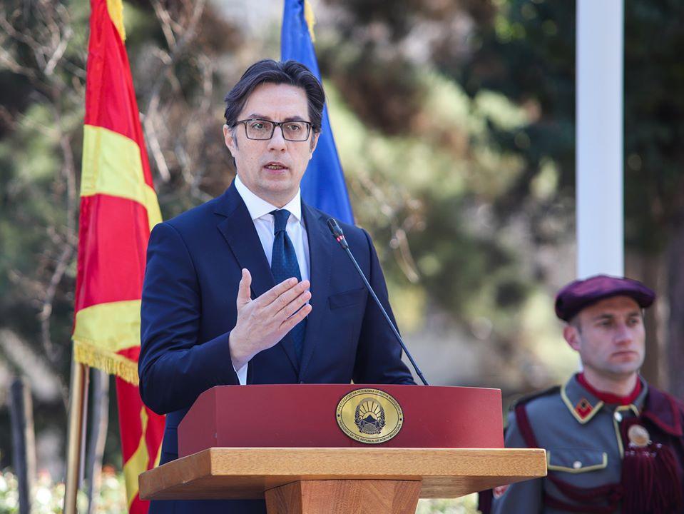 Presidenti shpall gjendjen e jashtëzakonshme për 30 ditë (VIDEO)