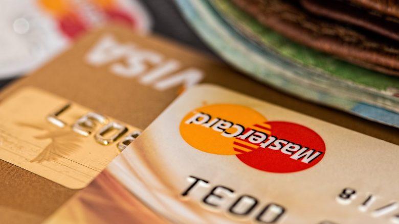 Maqedoni, qytetarët të përdorin kartelat për kryerjen e pagesave