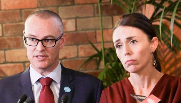 """""""Shkova në plazh, jam idiot""""/ Ministri i Shëndetësisë jep dorëheqjen pasi theu karantinën mes krizës së koronavirusit"""