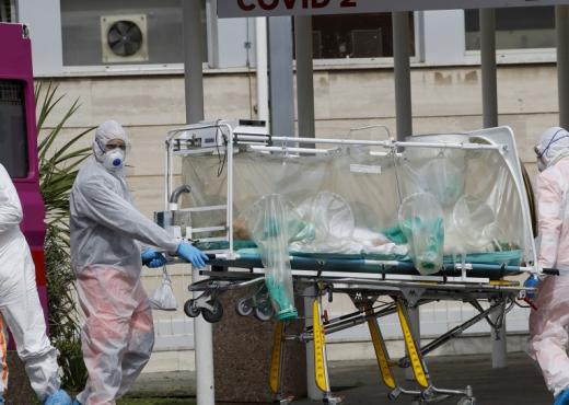 Një vatër e re koronavirusi në Fier, si u infektuan 6 pjestarë të një familjeje