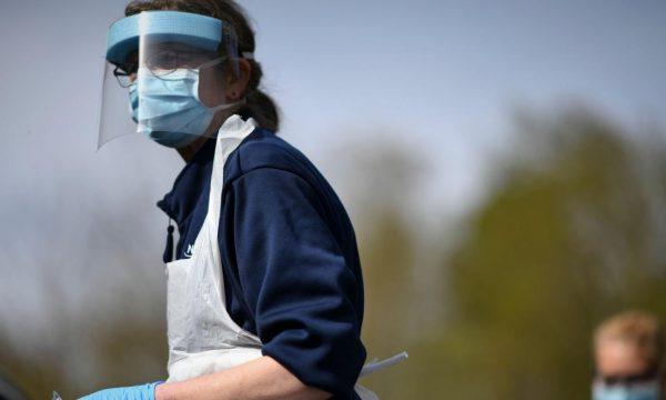 Mikrobiologu britanik: Nuk ka asnjë provë që të vërtetojë një valë të dytë të koronavirusit