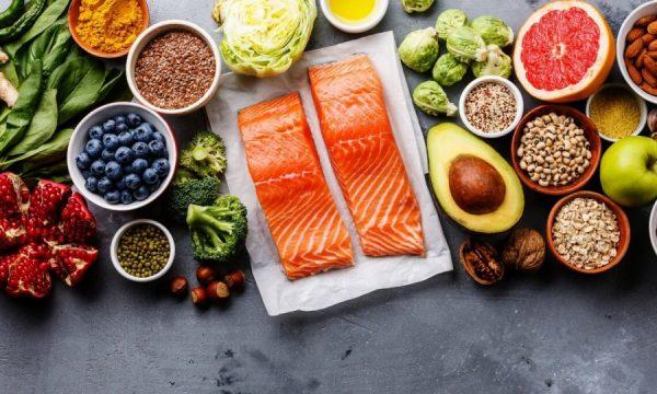 Ushqimet që duhet t'i konsumoni për një jetë të gjatë e të shëndetshme