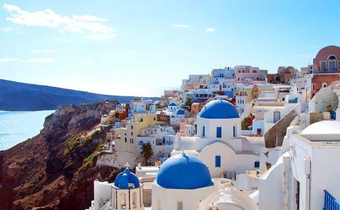 Greqi, rihapen 63 000 biznese hoteliere dhe restorante