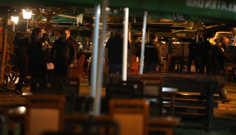 Dramë në Shkup: Inspektorët nuk lejohen të futen brenda në një lokal, brenda ka qëndruar një lider partie (VIDEO)