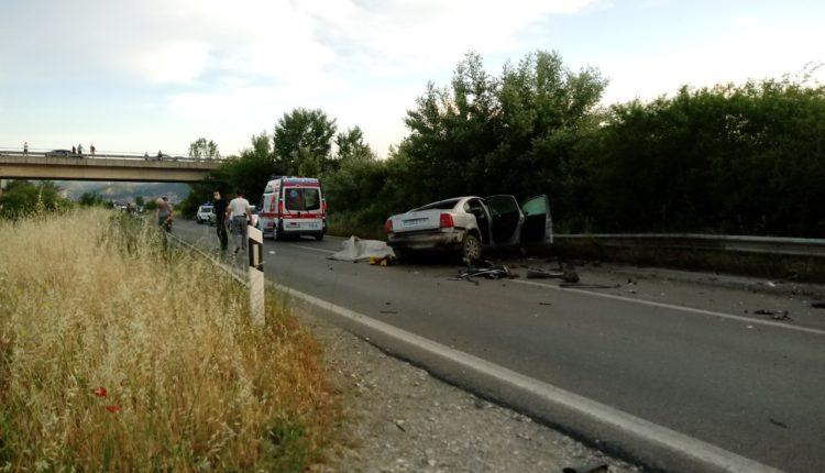 Një i vdekur dhe disa të lënduar në aksidentin në Strumicë
