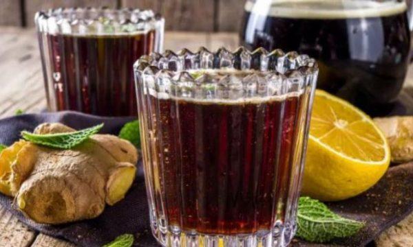 Pija e mrekullive që ju ndihmon të bini në peshë tepër shpejt