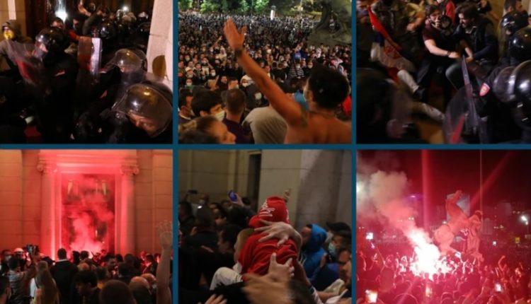 LAJMI I FUNDIT/ Opozita pushton parlamentin e Serbisë, ndërhyn policia (VIDEO LIVE)