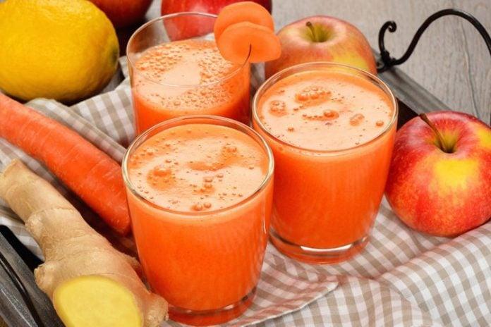 Lëng molle me karotë – të mirat dhe përfitimet që merr organizmi menjëherë