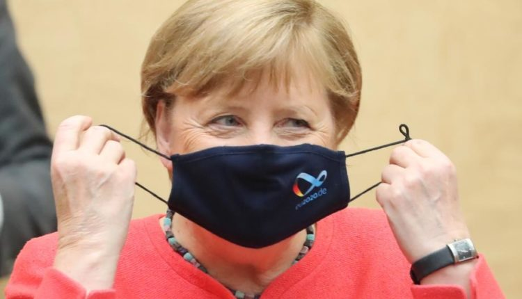 Për herë të parë në kohë të Kovid-19, Merkel publikisht u paraqit me maskë në fytyrë