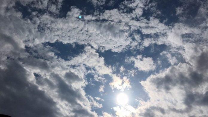 Moti sot me vranësira mesatare, temperature deri më 38 gradë