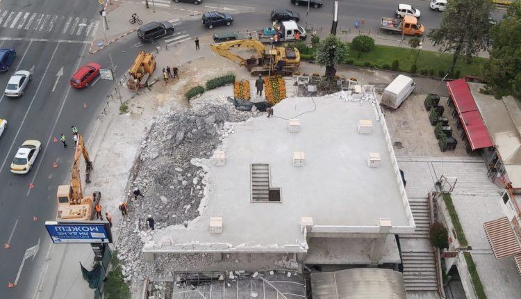 Vazhdon edhe sot rrënimi i objektit tek Mavrovasja