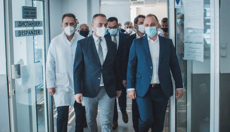 GRUBI: Modernizimi i spitalit obstetrik-ginekologjik në Çair, start i fuqishëm i Qeverisë (FOTO)