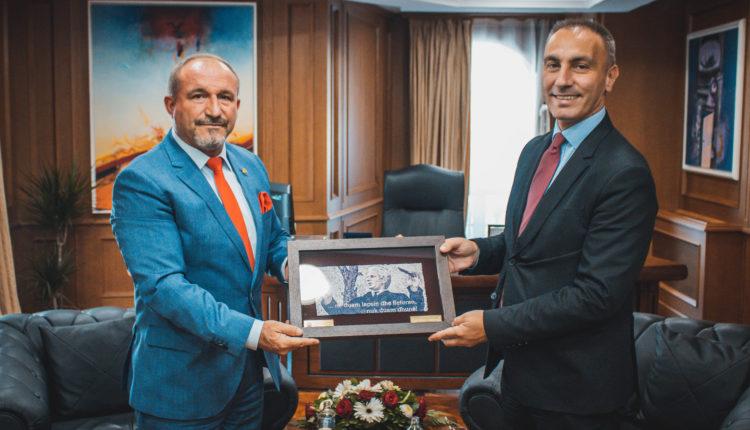 Zëvendëskryeministri i parë Grubi takoi rektorin e UT-së Ameti: Arsimi mbetet prioritet i Qeverisë