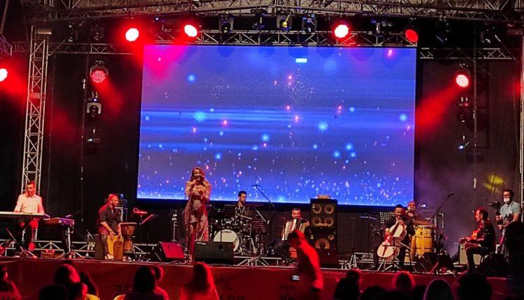 Filloi edicioni i dytë i The Park Festival në Gostivar, performanca magjike të Tunës dhe Shpat Dedës në natën e parë