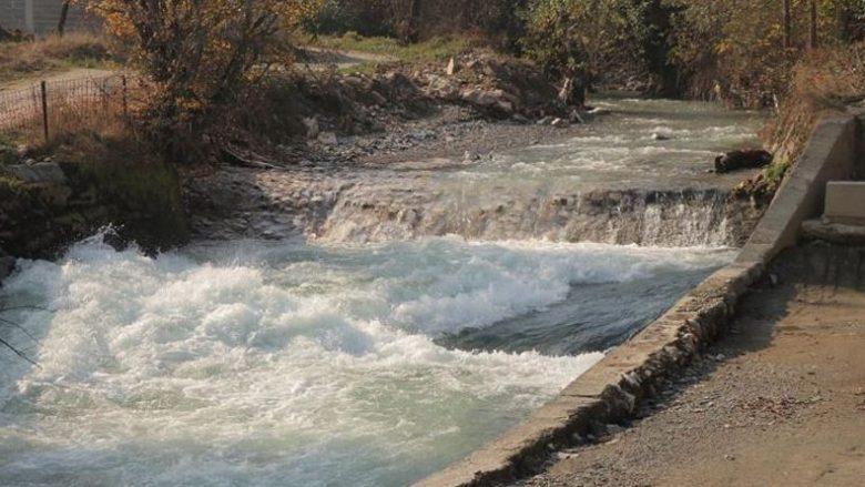 Është ulur në mënyrë drastike niveli i ujit të Lumit Vardar
