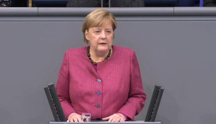 Tensione gjatë fjalimit të Merkel në Bundestag: Masat higjienike më nuk po kryejnë punë – kontaktet duhet të ulen në 75%