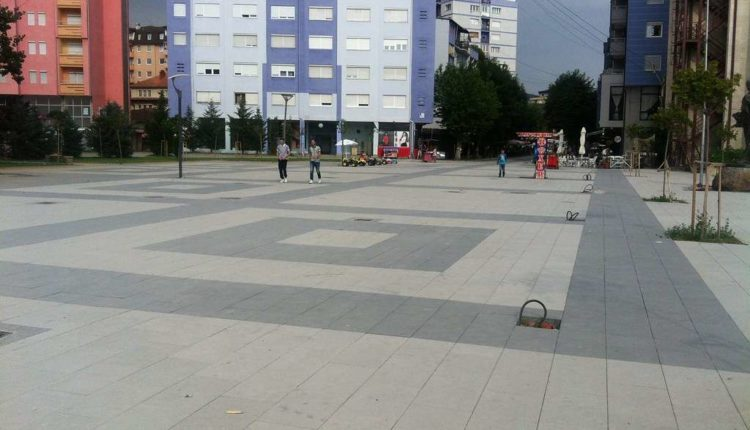 Mitrovica nuk do të dekorojë sheshet e qytetit, shkak COVID-19